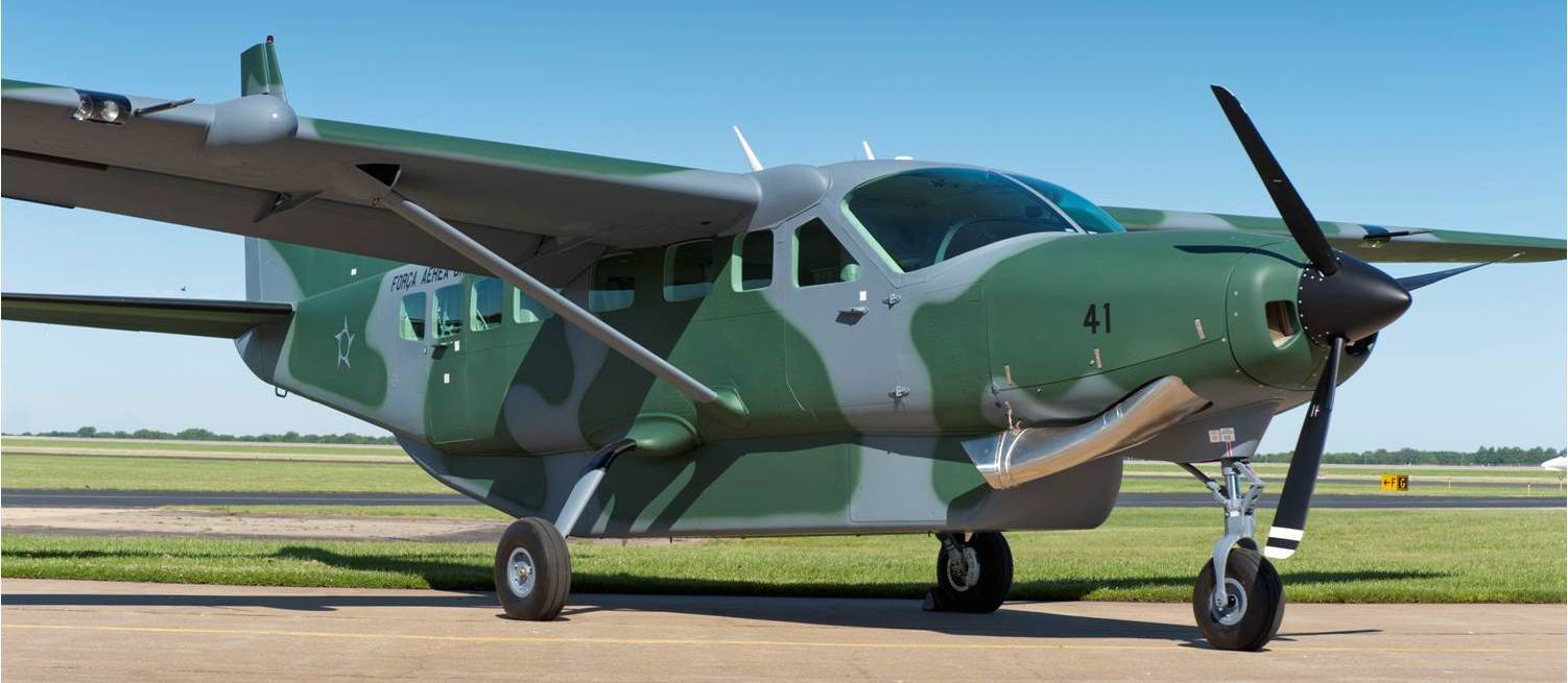 C-208